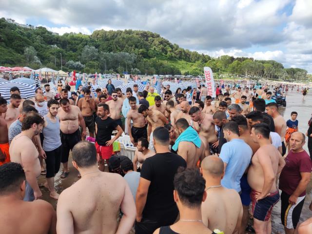 Olumsuz hava koşulları sahilleri vurdu! Kandıra, Şile ve Sarıyer'de denize girmek yasaklandı
