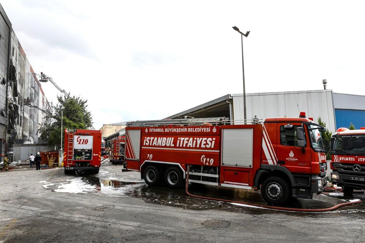 Tuzla'da işyeri yangını