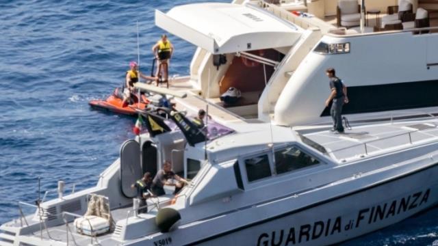 Beckham'ın teknesine polis baskını! Oğlunun işlediği suç yüzünden tatil zehir oldu