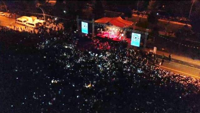 Elbistan Festivali'nde Cem Adrian coşkusu! On binlerce kişi konsere akın etti