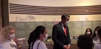 Ziya Selçuk: Son dakika... Bakanlar Selçuk ve Ersoy, öğrencilerle Anadolu Medeniyetleri Müzesi'ni gezdi