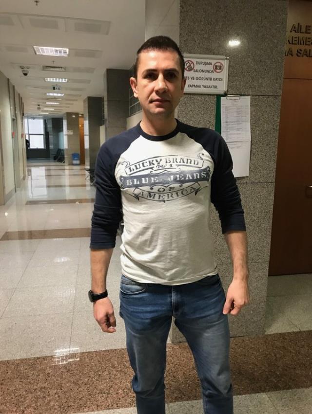 Galatasaraylı eski futbolcu Emre Aşık, çocuklarına şiddet uygulamaktan hapis cezasına çarptırıldı