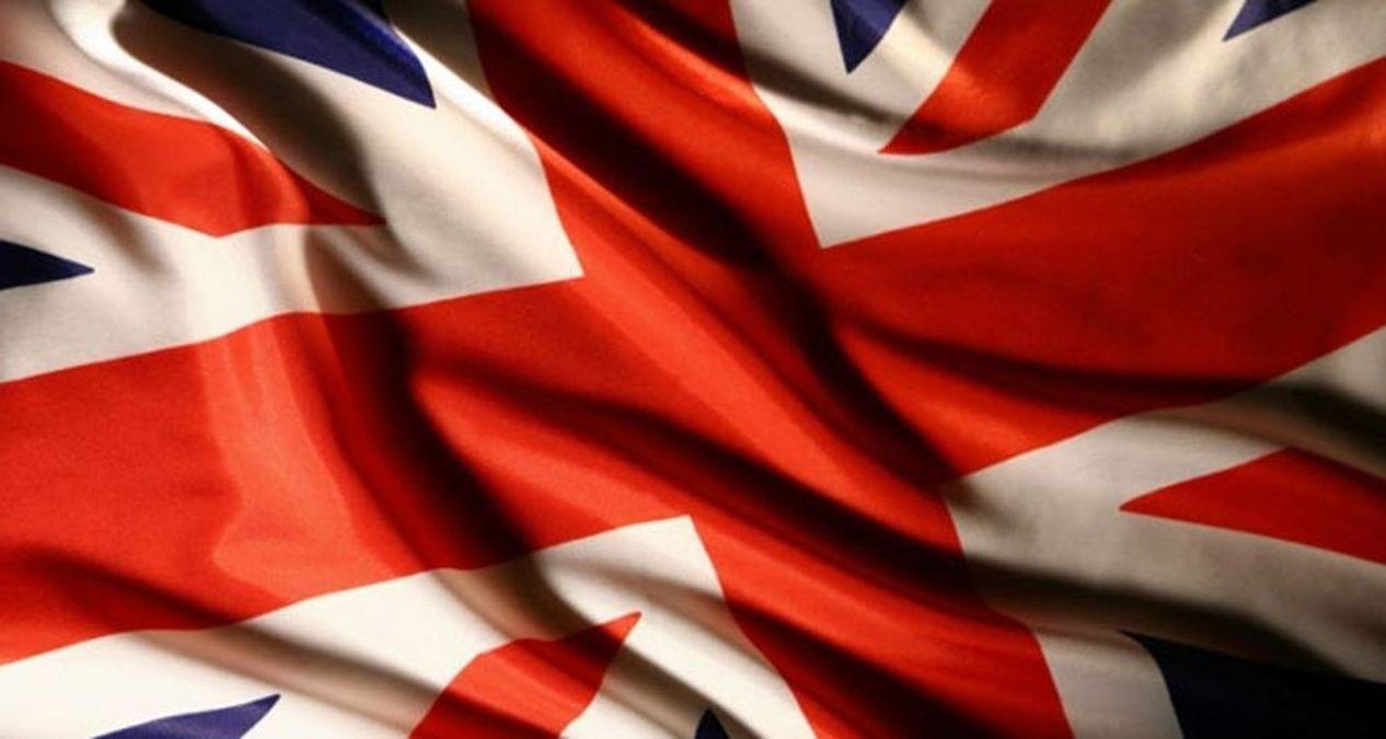 İngiltere, AB ve ABD'den gelen kişilere karantina zorunluluğunu kaldırdı