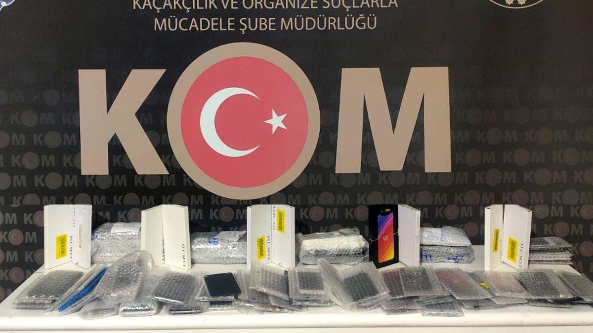 Kırıkkale'de 166 kaçak telefon malzemesi ele geçirildi