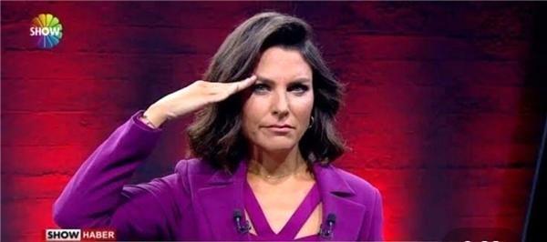 Show Ana Haber'den ayrılan Ece Üner'in yerine Dilara Gönder getirildi