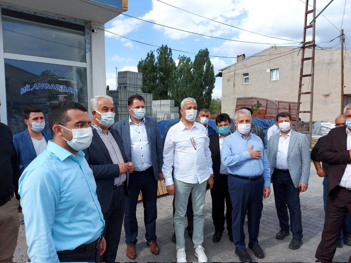 AK Parti milletvekilleri Arpaçay'da