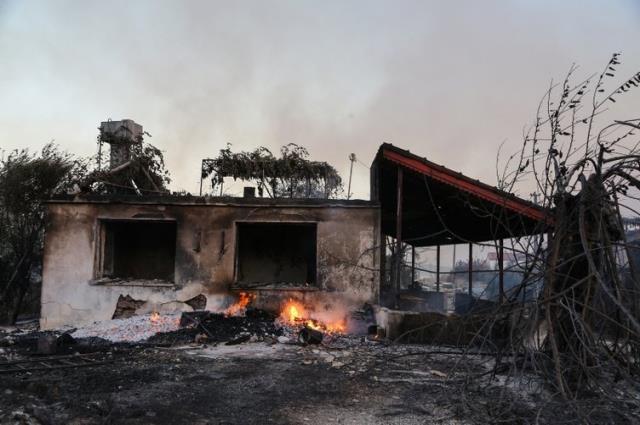 Hasarın boyutu gün ağarınca gün ağarınca ortaya çıktı! Manavgat'taki yangından yürek burkan kareler