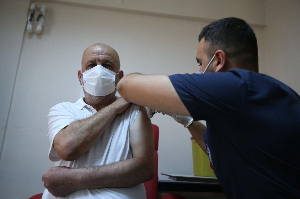 Sakarya Valisi Çetin Oktay Kaldırım'dan aşı çağrısı