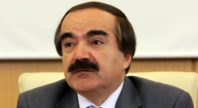 Hüseyin Avni Coş, kalp krizi sonucu 62 yaşında hayatını kaybetti