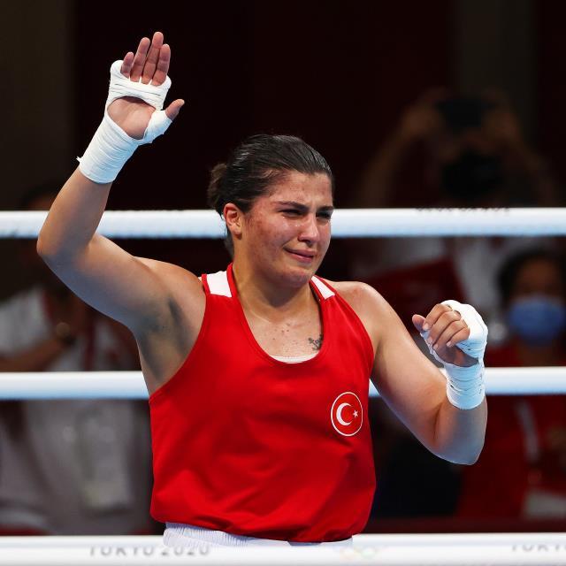 Son Dakika: Milli boksör Busenaz Sürmeneli, Tokyo Olimpiyatları'nda şampiyon oldu