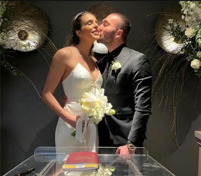 1 yıl önce evlendiği hatta baba olacağı öğrenilen Görkem Sevindik'in nikah fotoğrafları ortaya çıktı