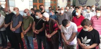 Ahmet Cengiz: ZONGULDAK - Balıkesir'deki otobüs kazasında hayatını kaybeden kadının cenazesi defnedildi
