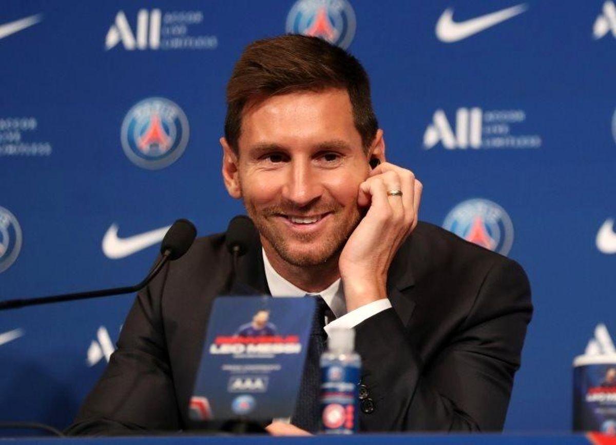 Messi: Paris St-Germain'le Şampiyonlar Ligi'ni kazanmayı hayal ediyorum