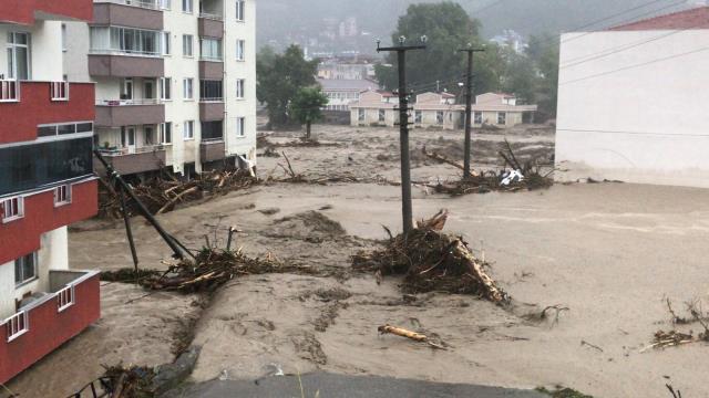 Son Dakika: Kastamonu'da bilanço ağırlaşıyor! Sel sularına kapılarak hayatını kaybedenlerin sayısı 4'e yükseldi