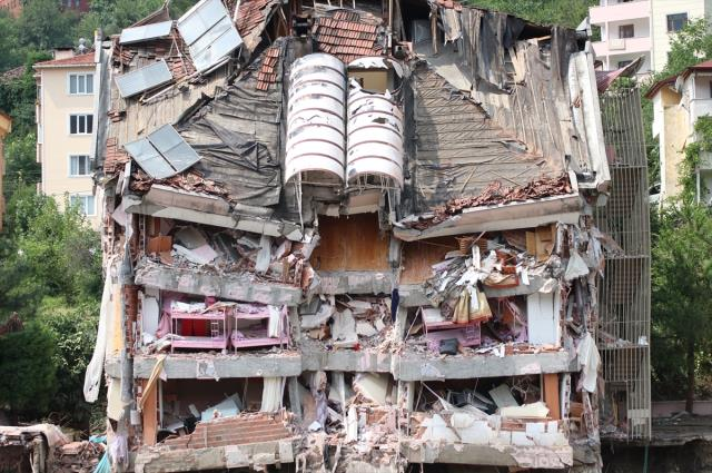 Son Dakika: Kastamonu'daki sel felaketinde bilanço ağırlaşıyor! Hayatını kaybedenlerin sayısı 9'a yükseldi