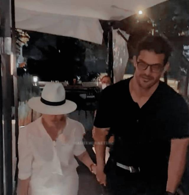 Hadise, yeni sevgilisi Mehmet Dinçerler ile el ele görüntülendi