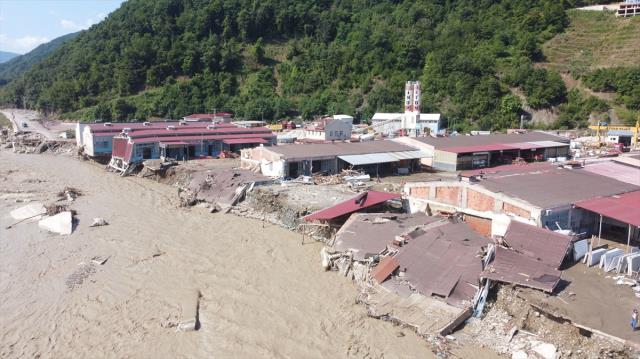Son Dakika: Acı haberler peş peşe geliyor! Karadeniz'deki sel felaketinde can kaybı 40'a yükseldi
