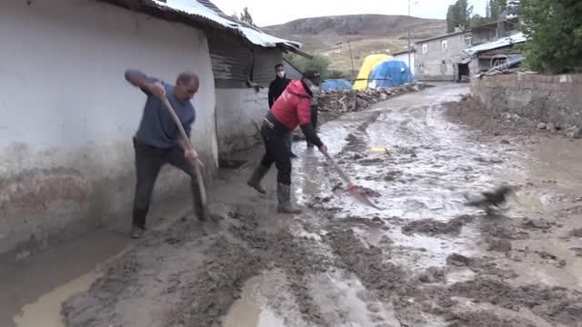Son dakika... Sarıkamış ilçesindeki selde ilk belirlemelere göre 40 ev ile 6 araç hasar gördü