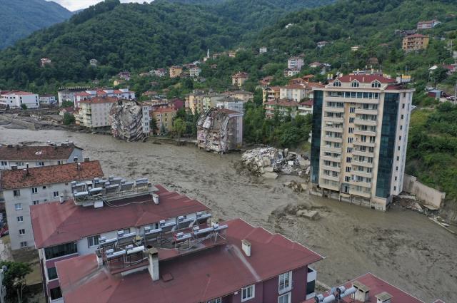 Batı Karadeniz'de felaketin boyutu giderek büyüyor! Can kaybı 66'ya ulaştı
