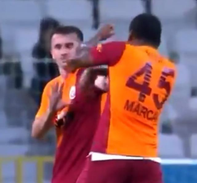Son Dakika: Galatasaray'da Kerem Aktürkoğlu'na kafa ve yumruk atan Marcao, kırmızı kart gördü