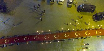 Vedat Demiröz: Ahlat'ta 150 metre uzunluğundaki Türk bayrağıyla 'fener alayı'