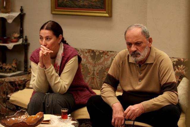 Usta oyuncu Metin Çekmez, tedavi gördüğü hastanede hayatını kaybetti