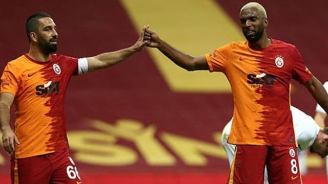 Galatasaray, Kasımpaşa'ya Hollandalı futbolcusu Ryan Babel'i önerdi