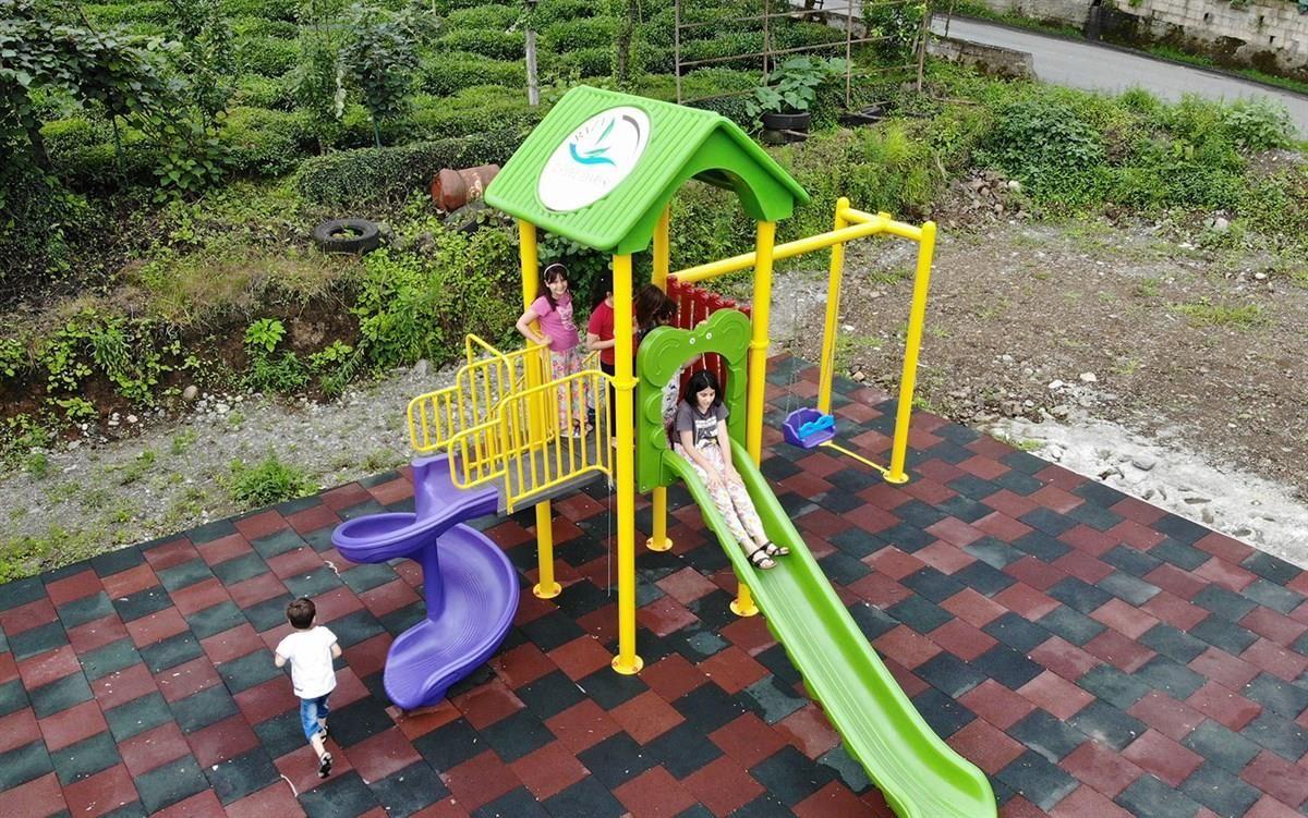 Rize'de köylere kurulan oyun parkları çocukları sevindirdi