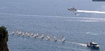Konyaaltı Sahili: Denizdeki 'Zafer' kutlamasında tekneler görsel şölen oluşturdu