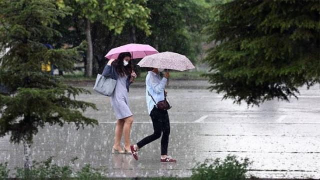 Meteoroloji perşembe günü için uyardı! Tam 41 kente sağanak yağış geliyor