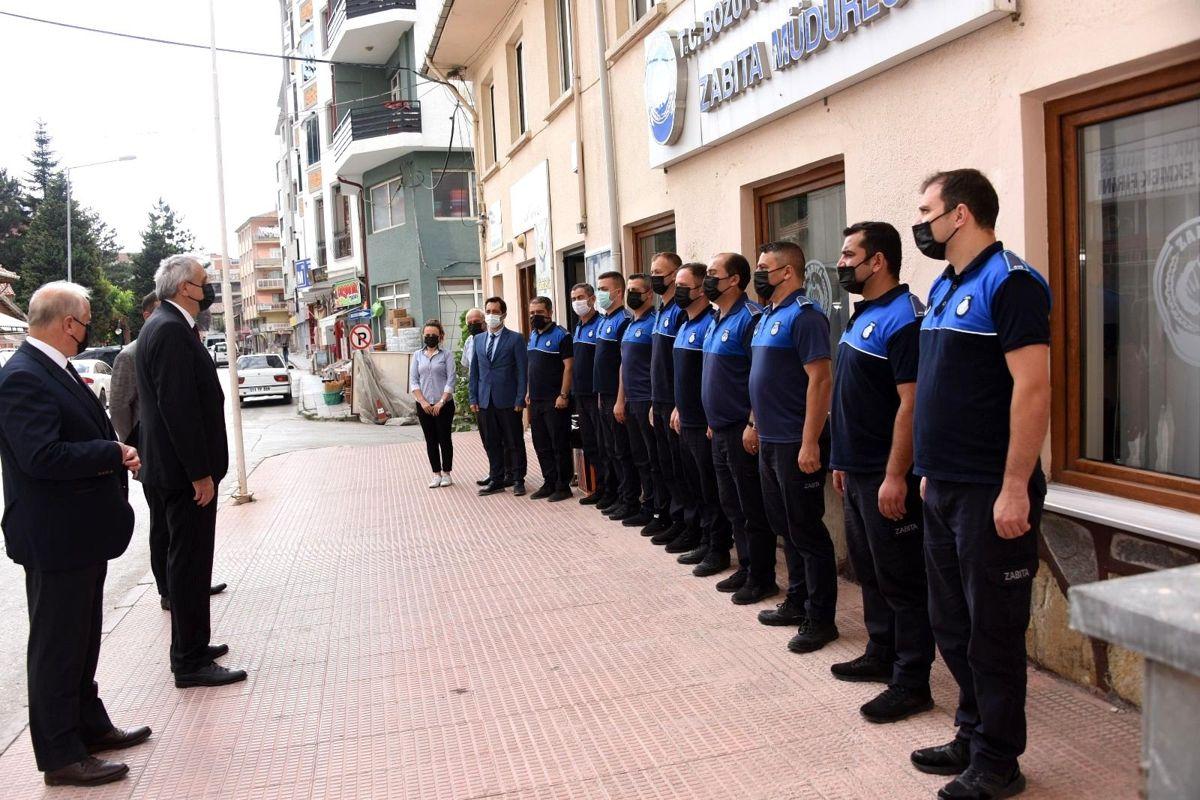Başkan Bakkalcıoğlu zabıta ekiplerini ziyaret etti