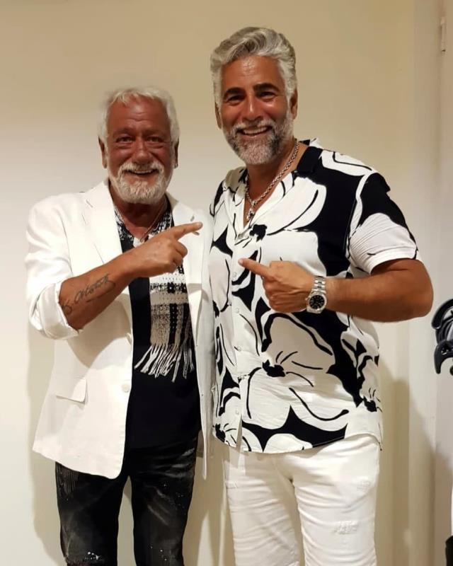 Şarkıcı Fedon ve oğlu Theo Kalyoncu'nun benzerliği ağızları açık bıraktı! Her gören ikiz zannetti