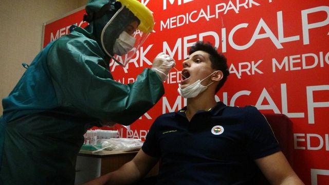 Fenerbahçeli genç boksörler sağlık taramasından geçti