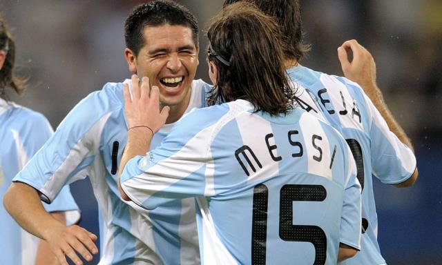 Riquelme, Messi'nin Barcelona'ya geri döneceğini iddia etti