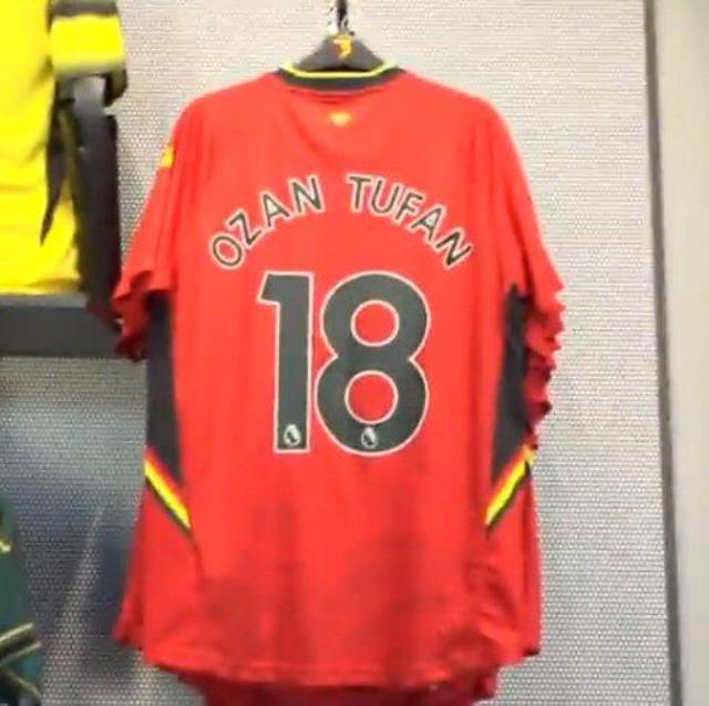 Ozan Tufan'ın Watford taraftarlarına İngilizce mesajı sosyal medyayı ikiye böldü