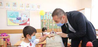 İbradı: Antalya'daki yangında zarar gören mahallelerdeki 400 öğrenciye kırtasiye yardımı