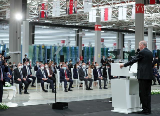 Cumhurbaşkanı Erdoğan, yerli otomobille ilgili müjdeyi verdi: 2022 sonunda banttan indirmeyi hedefliyoruz