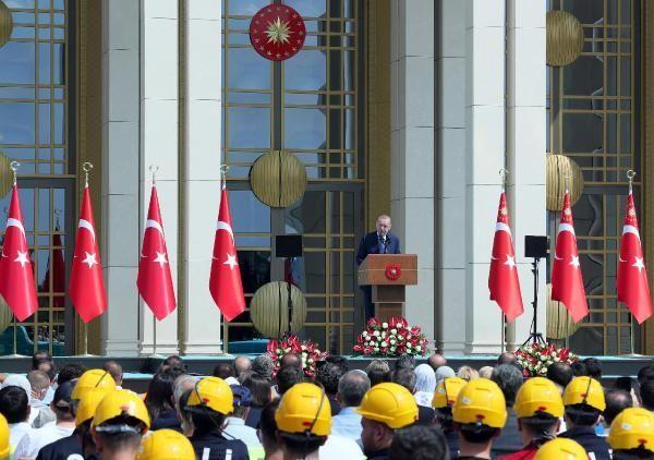 Son dakika haberi... Cumhurbaşkanı Erdoğan: Büyük ve güçlü Türkiye silüeti ufukta gözükmüştür