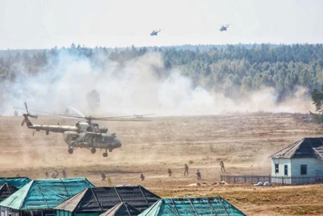 NATO ile tansiyonun zirvede olduğu dönemde kritik tatbikat! Rusya ve Belarus resmen gövde gösterisi yaptı