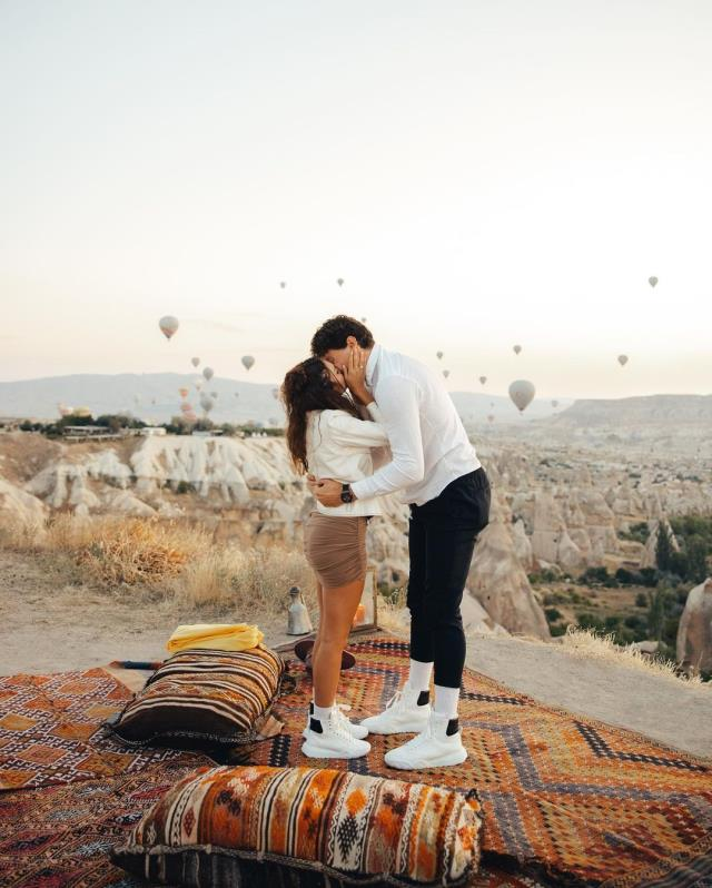 Oyuncu Ebru Şahin, Cedi Osman'ın evlilik teklifini kabul etti