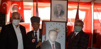 Ali Gür: Gazilere Cumhurbaşkanı Erdoğan'ın portresini hediye etti
