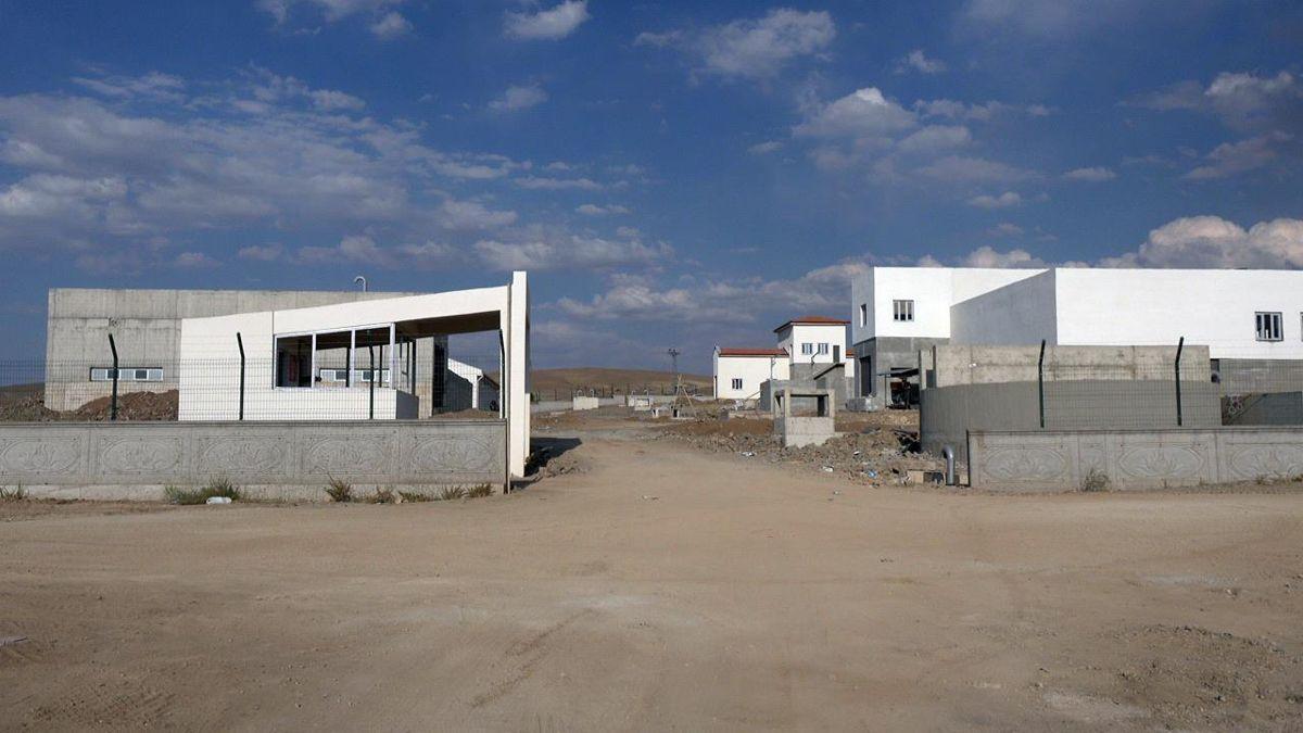 Şarkışla'da yapımı devam eden su arıtma tesisinde sona gelindi