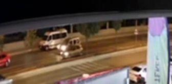 Atakent Mahallesi: Alkollü sürücü önce yayaya ardından park halindeki araçlara çarptı