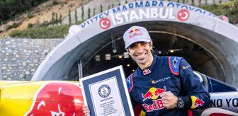 Dünya Rekoru: Dünya rekorlu Red Bull'un 'Tünel Geçişi' İstanbul'u dünyaya tanıttı