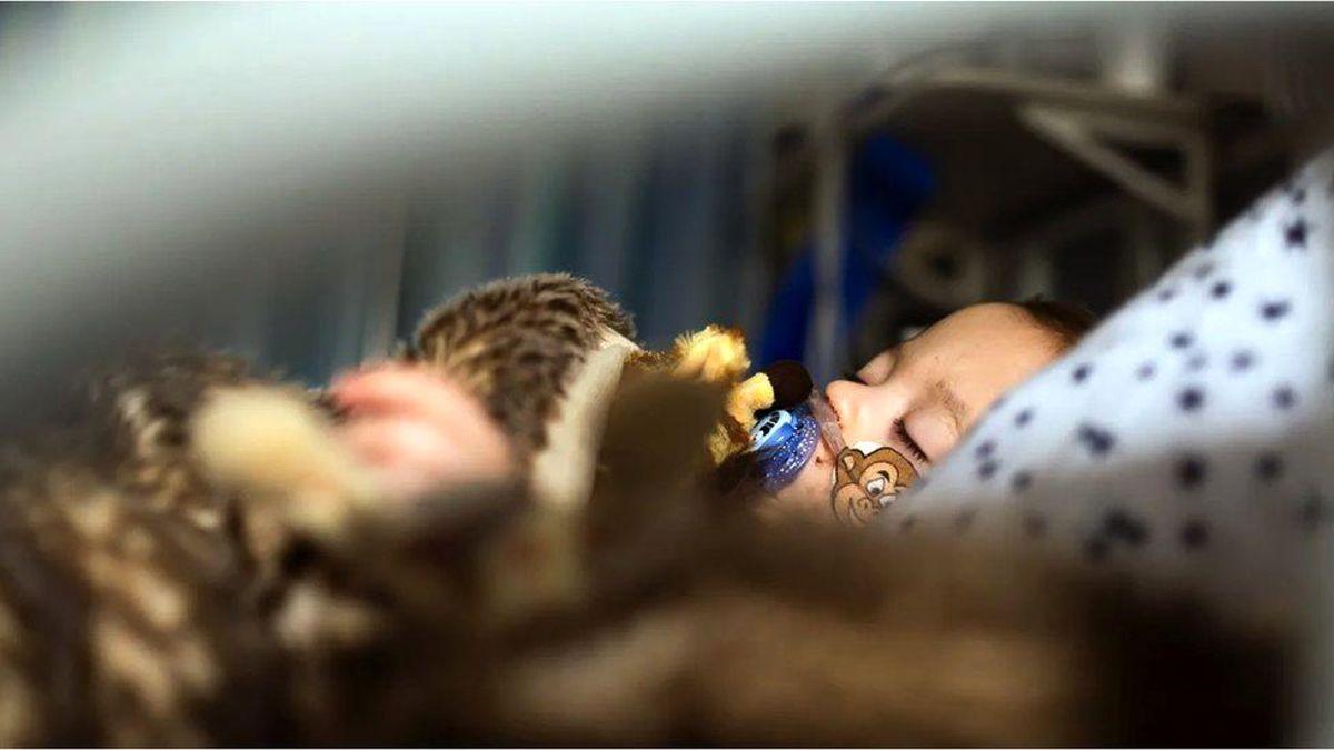 RSV virüsü: Solunum yolu hastalıklarına yol açan virüs son dönemde çocuklarda neden daha fazla görülüyor?