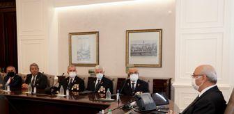 Orta Doğu: İzmir'de şehit aileleri ve gazi dernekleri Vali Köşger ve Büyükşehir Belediye Başkanı Soyer'i ziyaret etti