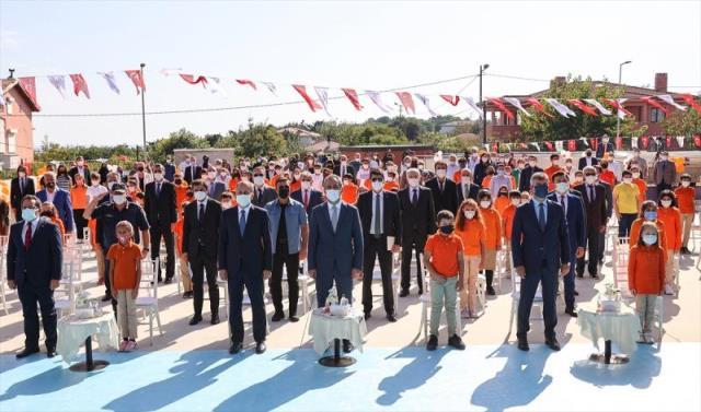 Milli Eğitim Bakanı Mahmut Özer: Vaka sayıları artsa da artık okulları kapalı tutma gibi bir lüksümüz yok