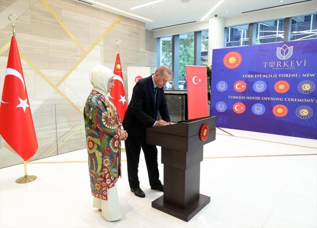 Son Dakika: Cumhurbaşkanı Erdoğan, New York'ta 'Yeni Türkevi Binası Açılış Töreni'nde konuşuyor