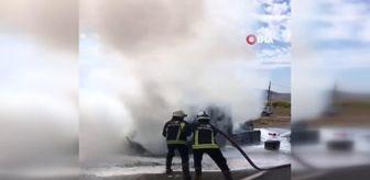 Yeşilköy Mahallesi: Seyir halinde kamyonet alev alev yandı