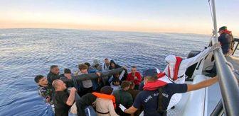 Ege Denizi: Ege Denizi'nde 57 düzensiz göçmen kurtarıldı